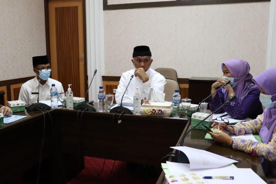 Gubernur Mahyeldi Dorong Tambak Udang di Sumbar Sesuai Aturan