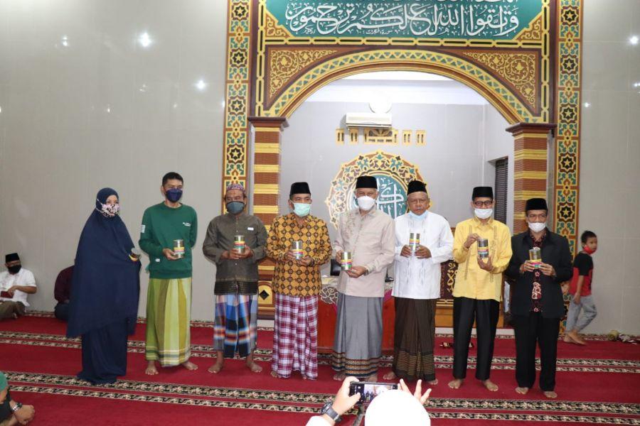 Gubernur Mahyeldi: Zakat dan Waqaf Potensi Umat Islam Bantu Negara Entaskan Kemiskinan