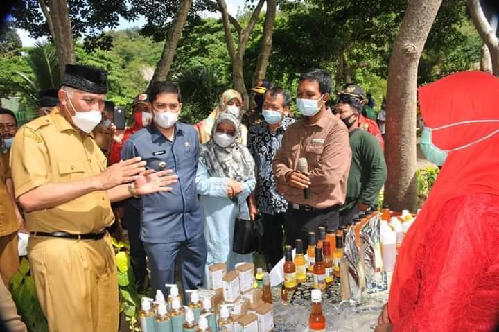 Gubernur Sumbar Canangkan Gerakan Produksi dan Minum Madu Galo-Galo Kelulut
