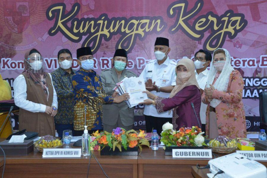 Komisi VIII DPR RI Tinjau Persiapan Kuliah Tatap Muka Antisipasi Lost Generation