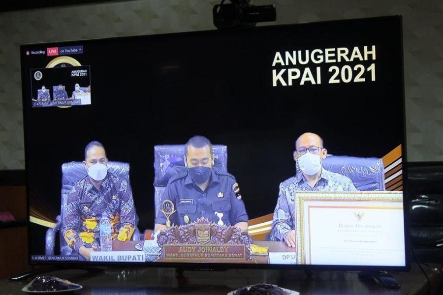 Sumbar Terima Penghargaan Anugerah KPAI 2021