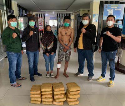 BNNP Sumbar Ringkus 2 Orang Pengedar Narkoba Lintas Provinsi, 22 Kg Ganja Diamankan