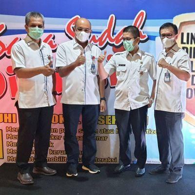 Direksi dan Karyawan/ti Perumda AM Kota Padang Jalani Vaksinasi Tahap Pertama