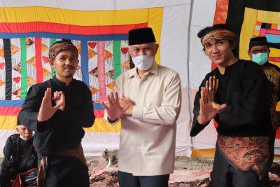 Gubernur Sumbar: Identitas Minangkabau Tidak Lengkap Tanpa Silek