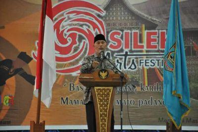 Gubernur Sumbar: Silek Perlu Dikembangkan di Setiap Jorong  dan Nagari untuk Siapkan Pemimpin