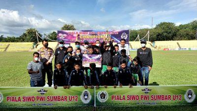 Kabid Humas Polda Sumbar Hadiri Penutupan Turnamen Piala SIWO PWI Sumbar U-12