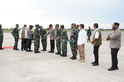Kapolda dan Wakapolda Sumbar sambut Kedatangan Panglima TNI dan Kabaharkam Polri