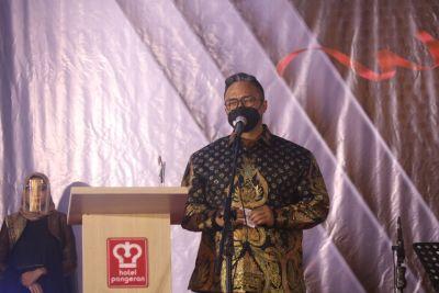 Kapolda Sumbar Terima Penghargaan dari Padang TV Awards 2021, Kategori Institusi Publik Inspiratif