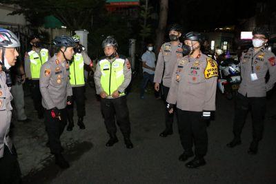 Kapolda Sumbar, Wakapolda dan PJU Patroli Bersepeda Malam, Cek Perayaan Hari Paskah di Padang