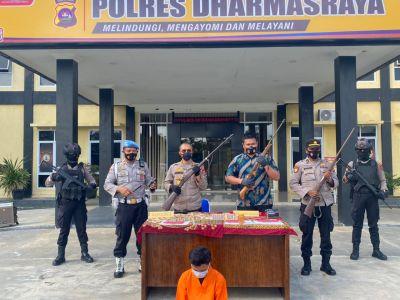 Miliki Senjata Api Rakitan beserta Amunisinya, Polres Dharmasraya Amankan Seorang Laki-laki