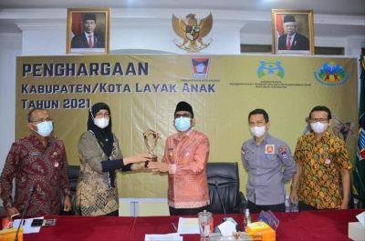 Pandemi Tak Jadi Alasan, Padang Kembali Raih Anugerah Kota Layak Anak 2021