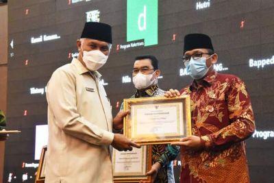 Perencanaan Pembangunan dan Pengarusutamaan Gender Dinilai Baik, Pemko Padang Sabet 2 Penghargaan