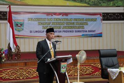 Perubahan Nomenklatur, Gubernur Sumbar Kukuhkan dan Lantik Pejabat Eselon II dan Eselon III