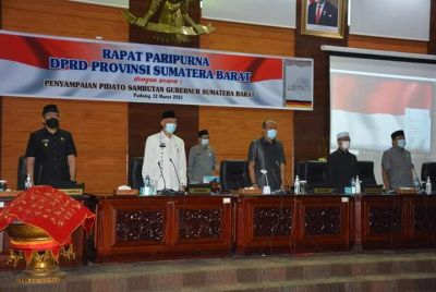Pidato Pertama di Paripurna DPRD, Gubernur Sumbar Sampaikan Program Unggulan