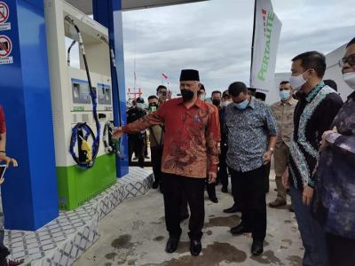 Resmikan SPBUN Koto IX Tarusan, Mahyeldi Harapkan Nelayan Tidak Lagi Kesulitan Mendapatkan BBM