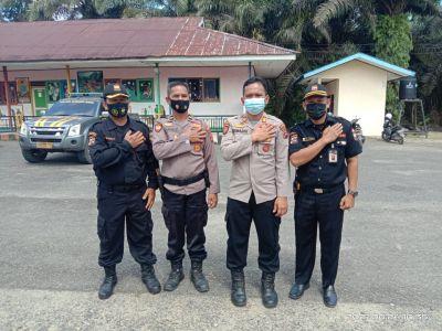Senkom Sijunjung Ajak Masyarakat Vaksinasi Covid-19 HUT Bhayangkara ke-75 di Polsek Setempat