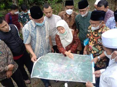 Sering Sebabkan Banjir, Gubernur Sumbar Tinjau Kondisi Sungai Batang Lembang Solok