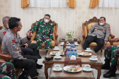 Sinergitas TNI POLRI, Danrem 032/Wirabraja Terima Kunjungan Silaturrahmi Kapolda Sumbar