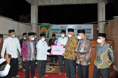 Tim Safari Ramadhan Berkunjung, Masjid Raya Talang Dapat Bantuan Semen, Uang dan Al Qur'an