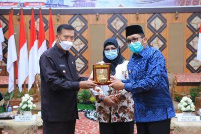 Tuan Rumah Rakernas XV Apeksi, Pemko Padang Koordinasi dengan Ketua Komwil I di Pekanbaru