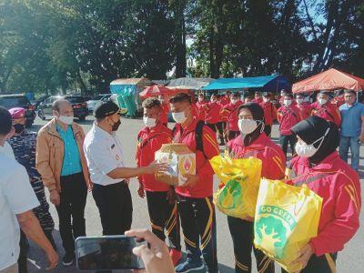 Wagub Audy Minta Atlet Hormati Adat Budaya Papua