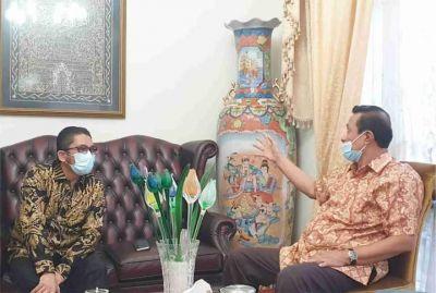 Wako Hendri Septa Bersilaturahmi ke Syahrul Ujud, Wali Kota Padang 1983-1993