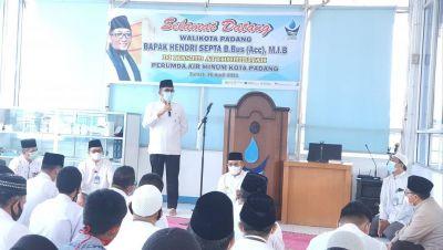 Wako Hendri Septa Hadiri Wirid Pertama di Masjid At-Thohiriyah Perumda AM Kota Padang